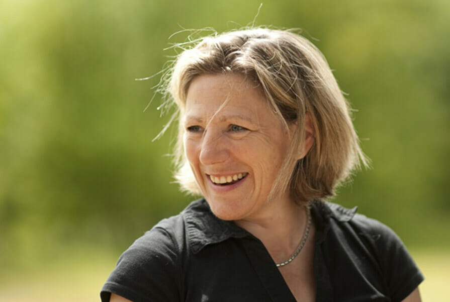 Eve Johnson Houghton, Didcot, Horse Trainer, Biddestone Racehorse Syndicates | Biddestone Racing