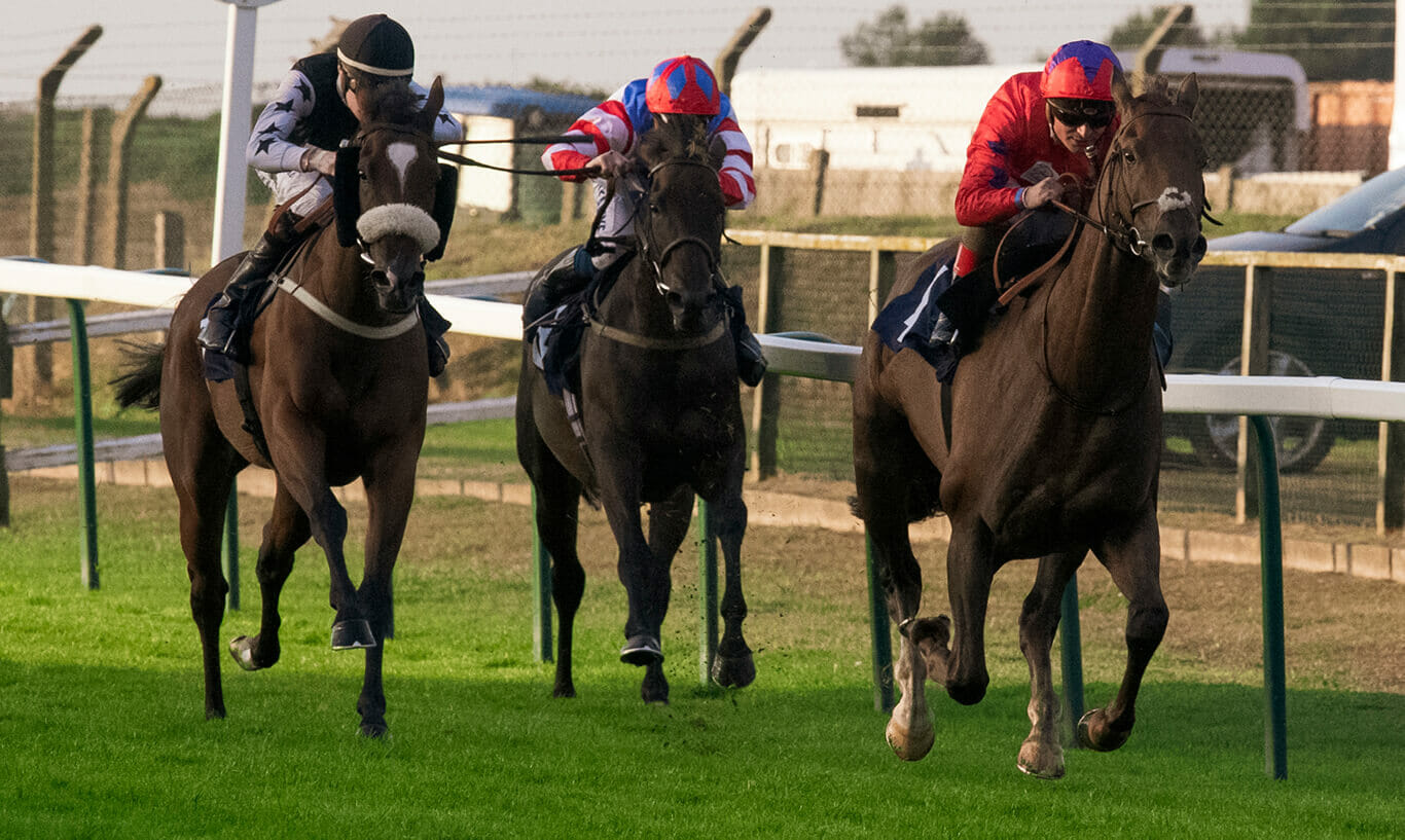 Golden Slam and Andrea Atzeni Winning at Great Yarmouth | Biddestone Racing